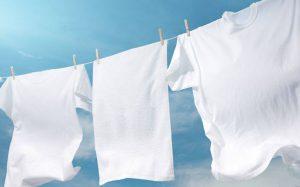 نحوه شستن لباس های سفید در خانه
